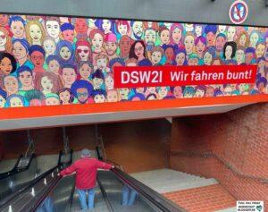 """DSW21 bezieht seit Jahren Position für Vielfalt - """"Wir fahren bunt"""" heißt es heispislweise ganzjährig am Stadtgarten. Foto: Alex Völkel"""
