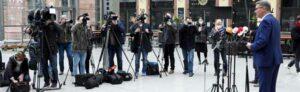 Medien-Auflauf PK OB Thomas Westphal zu Schulschließung