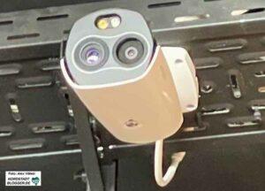 Das Fiebermessen erfolgt im FZW automatisiert - wer mehr als 38,5 Grad Celsius hat, darf nicht rein und bekommt stattdessen ein Lunchpaket.