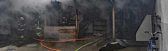 Gebäudebrand in der Nordstadt: 50 Einsatzkräfte der Feuerwehr Dortmund löschen Lagerhalle beim Borsigplatz