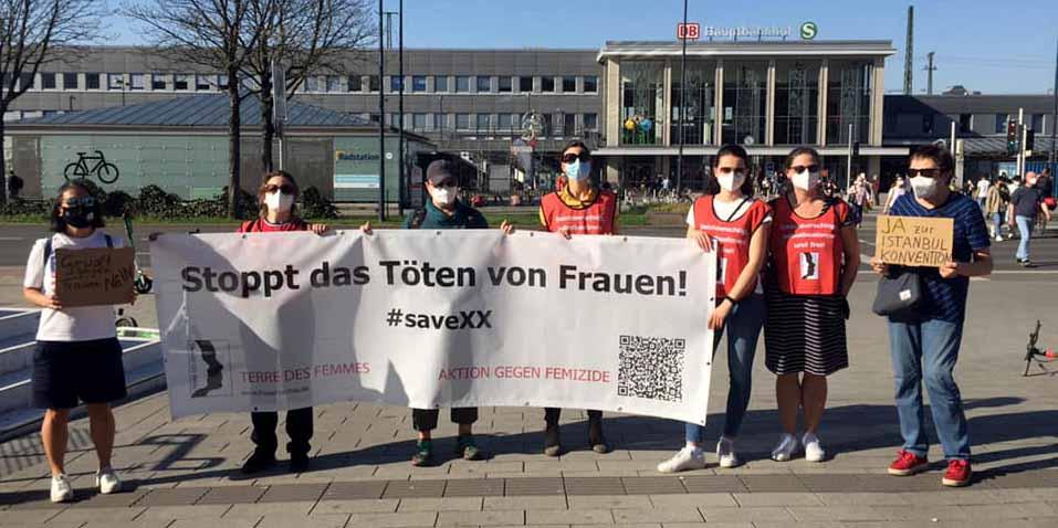 Die Aktionsgruppe Dortmund gegen Gewalt an Frauen hatte die Kundgebung organisiert. Fotos: Terre des Femmes