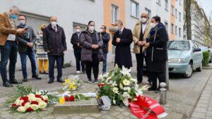 Der Rat der Muslime und der Integrationsrat gedachte ihm Beisein von Konsul aus Essen Sener Cebeci und SPD-MdL Volkan Baran den Opfern.