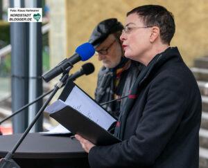 Tirzah Haase und Claus Dieter Clausnitzer boten Gedichten von Erich Fried zum 100. Geburtstag. Foto: Klaus Hartmann