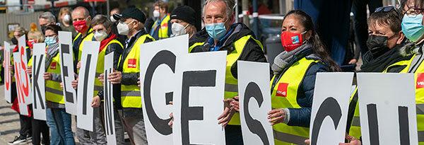 DGB-Kundgebung zum 1. Mai unter freiem Himmel – Immer mehr Betriebe verschlechtern die Arbeitsbedingungen