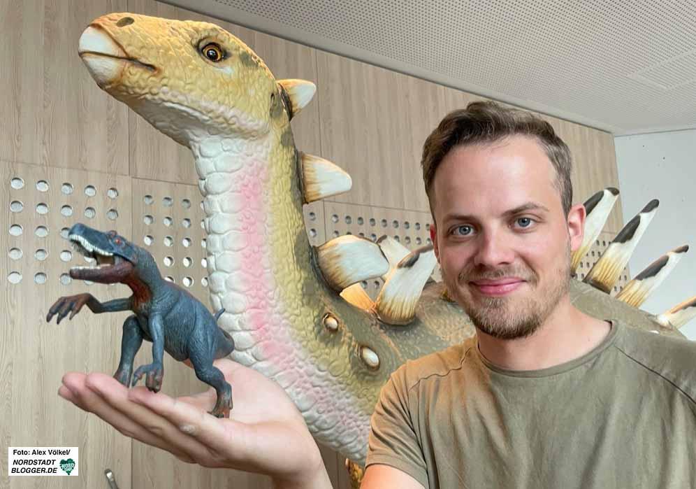Museumspädagoge Julian Stromann hofft, dass auch bald viele Gruppen die Ausstellung besuchen können.