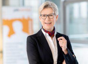 Dr. Regine Schmalhorst ist Geschäftsführerin des Jobcenters in Dortmund. Foto: Frauke Schumann