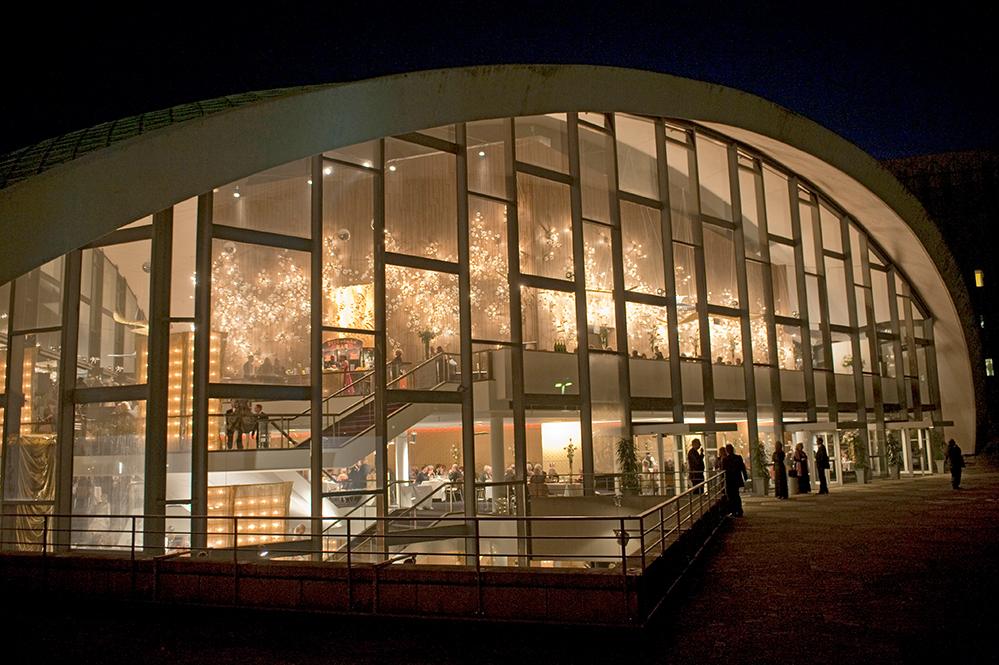 Auf der Terrasse soll es in Kürze Veranstaltungen mit Publikum geben. Foto: Theater