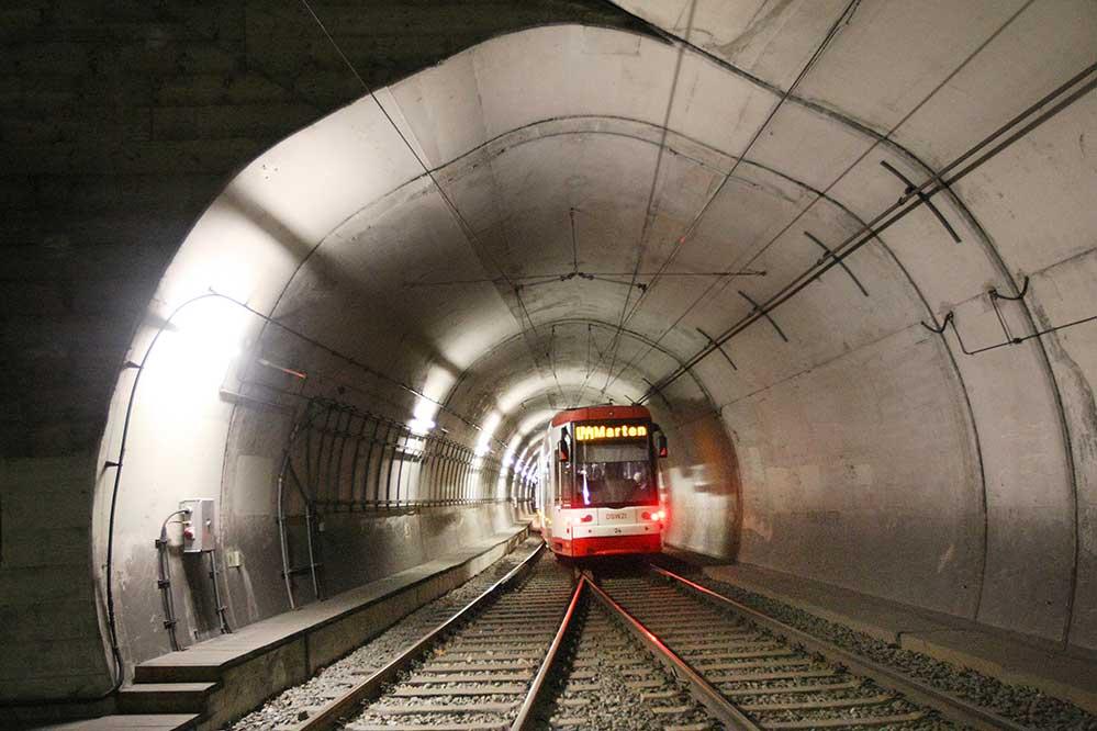 Stadtbahnen sind die schnellste und leistungsfähige Form des ÖPBV - aber auch beim Bau am teuersten und langwierigsten. Foto: DSW21