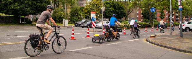 Fahrradgruppen machten Testbetrieb der Fahrradspur auf der Heiligegartenstraße – Großdemo für heute geplant