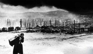 Am 22. Juni 1941 überfiel die deutsche Wehrmacht die Sowjetunion. Der als Weltanschauungs- und Vernichtungskrieg geplante Feldzug führte zu einer beispiellosen Brutalität in der Kriegsführung und der Besatzungspolitik. Foto: bpk / Voller Ernst – Fotoagentur / Jewgeni Chaldej / Bild 50109148
