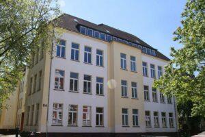 Die leerstehende Tremonia-Schule soll für drei Jahre zum Interimsquartier für die Grundschule Kleine Kielstraße werden. Foto: Anja Cord