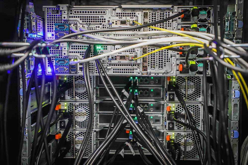 Die Digitalisierung ist in kleinen und mittleren Unternehmen eine große Herausforderung.Foto: DOKOM21