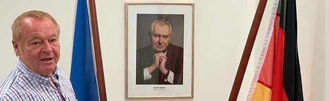 Leiser Abschied von Heinz Fennekold: Nach 15 Jahren Ehrenamt schließt das Honorarkonsulat für Tschechien