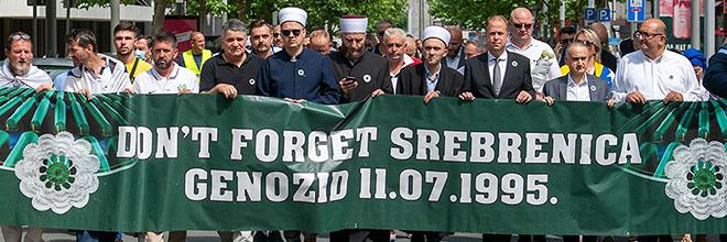 Schweigemarsch und Gedenkveranstaltung in Dortmund erinnern an den Völkermord in Srebrenica vor 26 Jahren