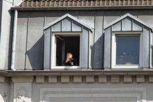 Wegen der Fotoaufnahmen betraten Polizist*innen die Wohnung und führten eine Gefährderansprache durch. Foto: Karsten Wickern