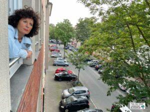 Pastorin Verena Schmidt freut sich, dass die neue Einrichtung mitten in einem lebendigen Quartier ist.