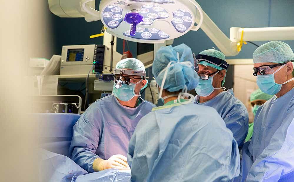 Das Team um Prof. Albert rettete ihm damals in letzter Sekunde das Leben. Foto: Klinikum Dortmund
