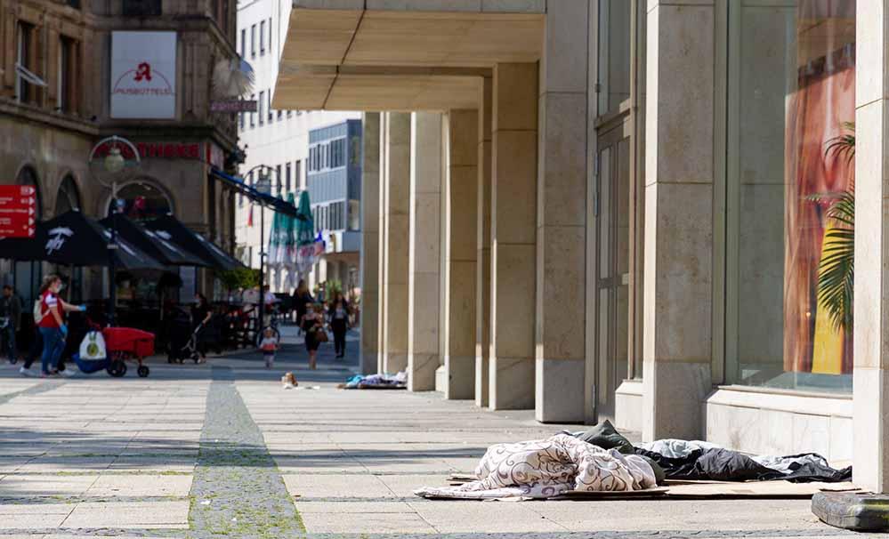 Obdachlosigkeit in Dortmund ist allgegenwärtig und öffentlich sichtbar.