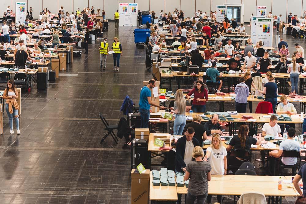 Im Briefwahlzentrum der Stadt Dortmund gab es bei der Bundestagswahl so viel Arbeit wie noch nie.