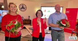 Sabine Poschmann, Nadja Lüders und Jens Peick freuen sich über den Wahlausgang.