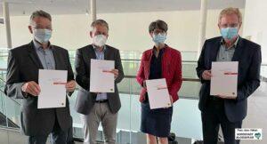 Detlef Niederquell (Fachbereich Liegenschaften), Stefan Thabe (Stadtplanungsamt), Anja Laubrock (Amt für Wohnen) und Planungsdezernent Ludger Wilde stellten das Papier vor.