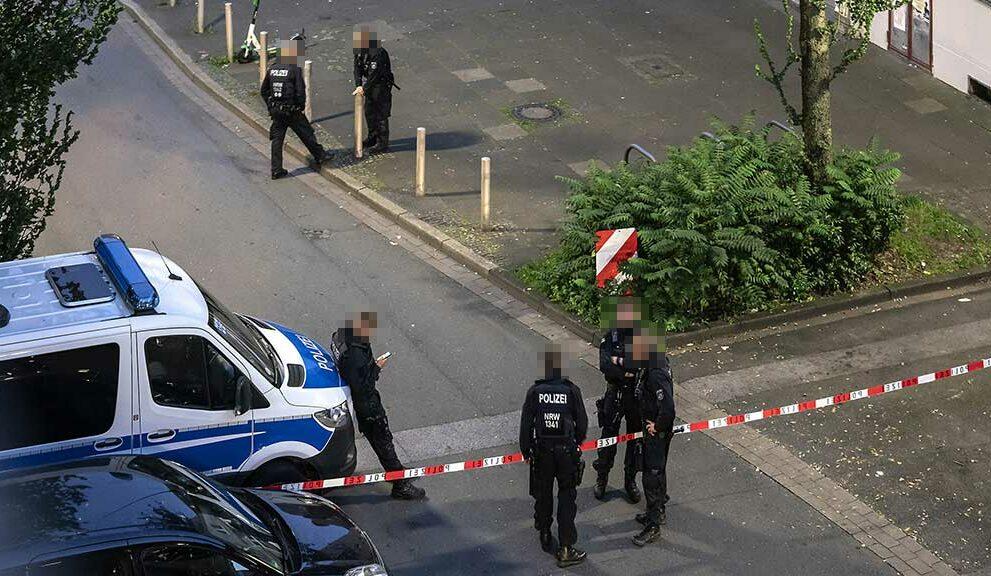 Über Stunden blieb die Schützenstraße nach dem Polizeieinsatz gesperrt.
