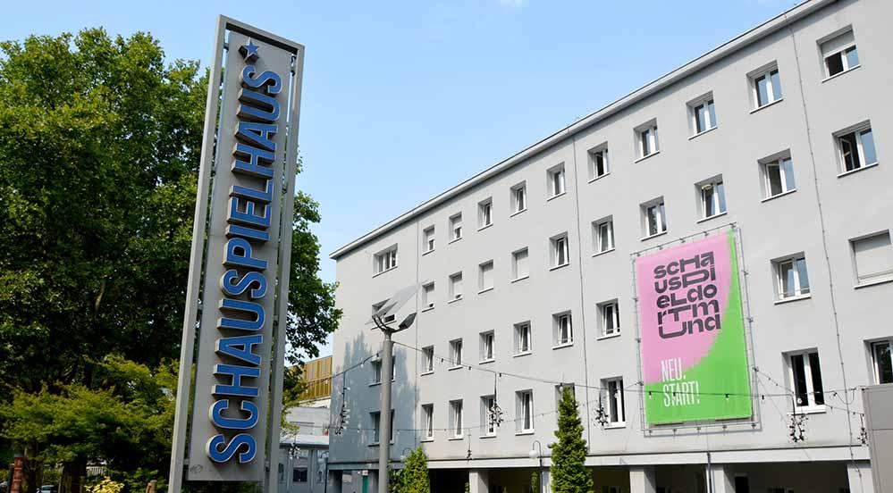 Das Schauspielhaus sucht junge Leute, die die Lust auf Theater, Tanzen, Musik oder Film haben.