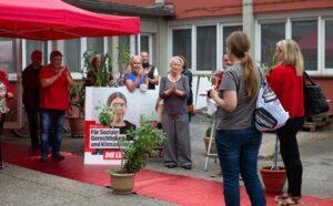 """Einen """"Roten Teppich"""" gab es bei der Partei """"Die Linke""""."""