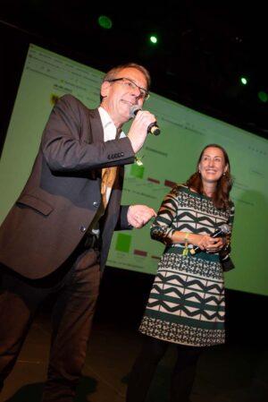 Die Grünen-Kandidat*innen auf der Wahlparty - für Markus Kurth war es eine Zitterpartie.