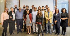 Die Teilnehmenden der Konferenz in Amman wollen künftig internationale Standards für Medientransparenz übernehmen, die das Erich-Brost-Institut entwickelt hat. Für das EBI waren Isabella Kurkowski (2.v.l.) und Alice Pesavento (7.v.l. hinten) vor Ort.