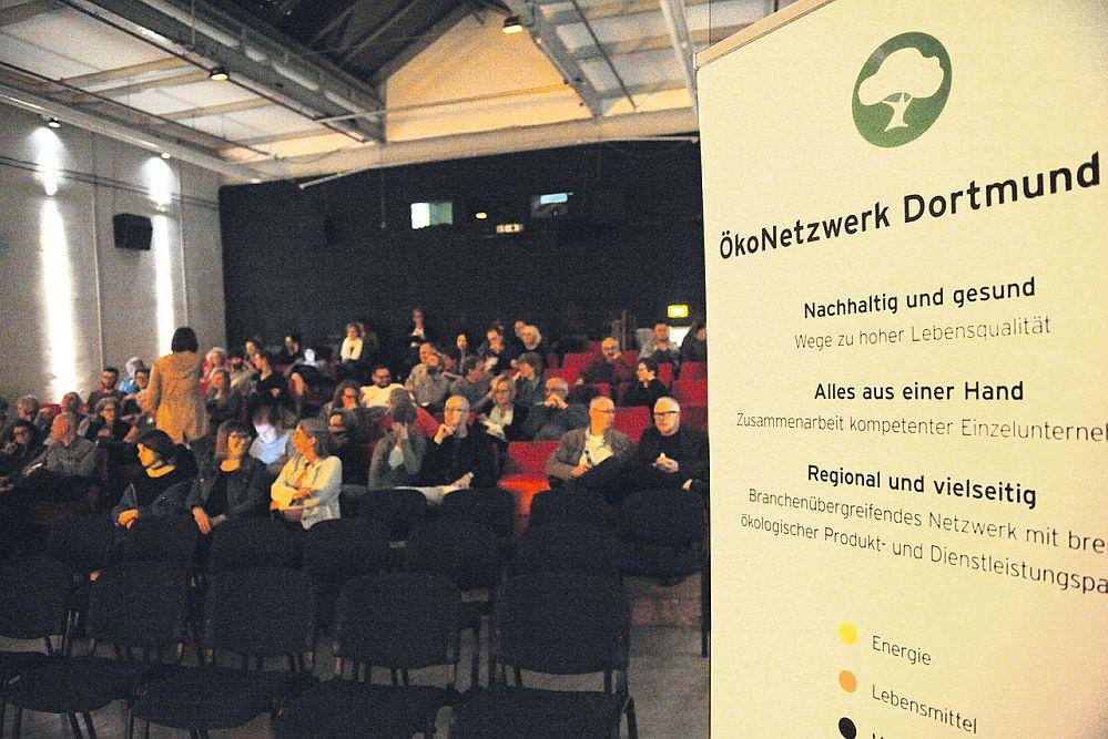 Green Movies - Veranstalter sind das ÖkoNetzwerk Dortmund und das sweetsixteen Kino: Motto 2021 - Kino für's Klima...