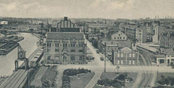 Speicherstraße (Bildmitte) mit Firmensitz Gebr. Rosendahl, um 1915 (Slg. Klaus Winter)
